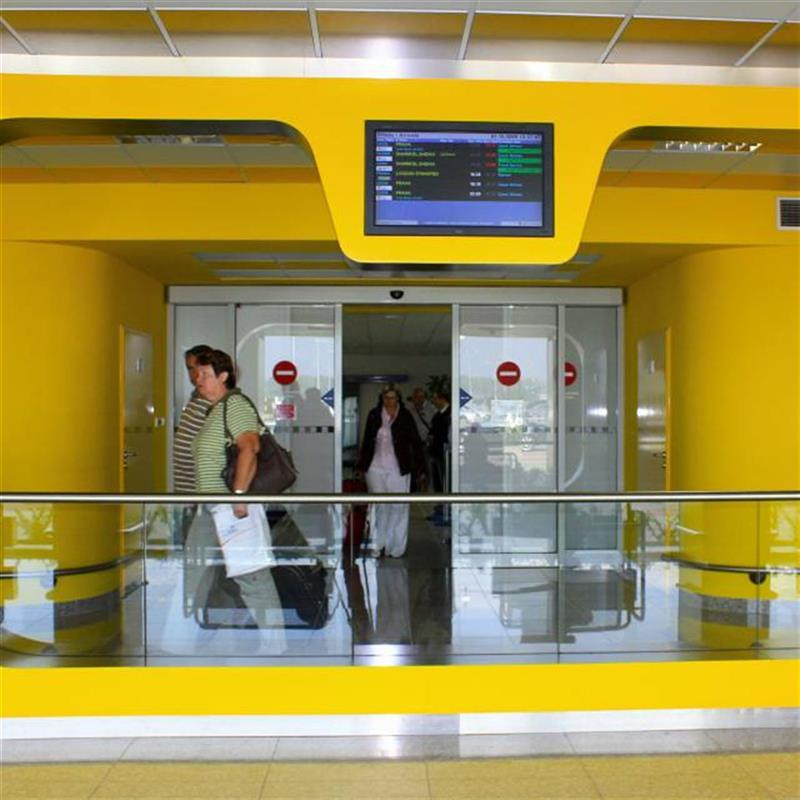 automatické dveře Spedos v prostorách letiště Brno