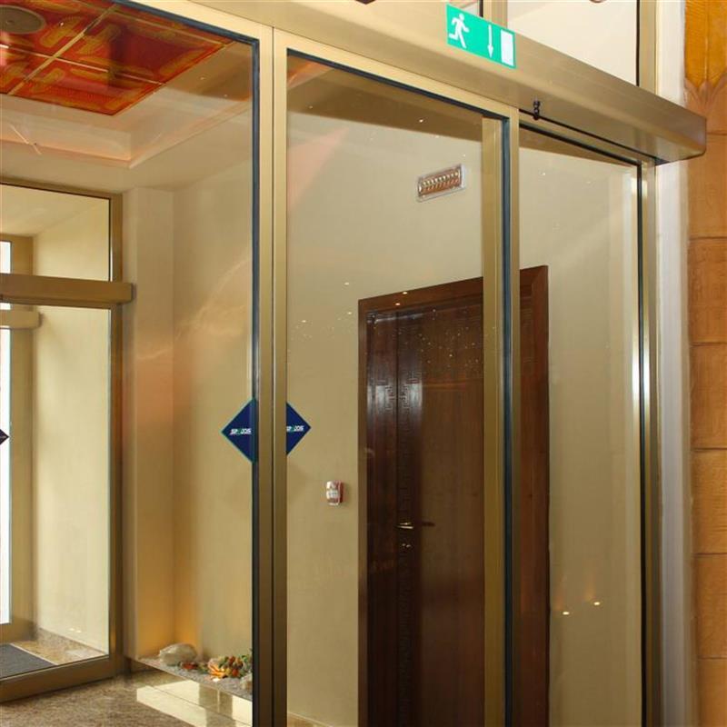 automatické dveře Spedos ve zlaté barvě 2