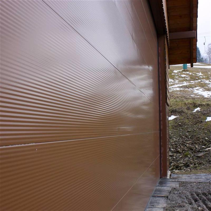 barevná garážová vrata Spedos