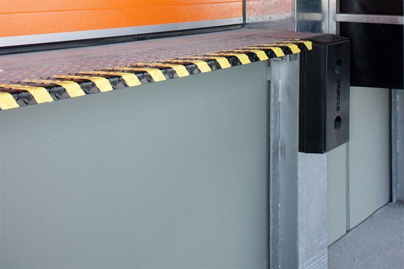 bezpečnostný klapkový mostík rampa
