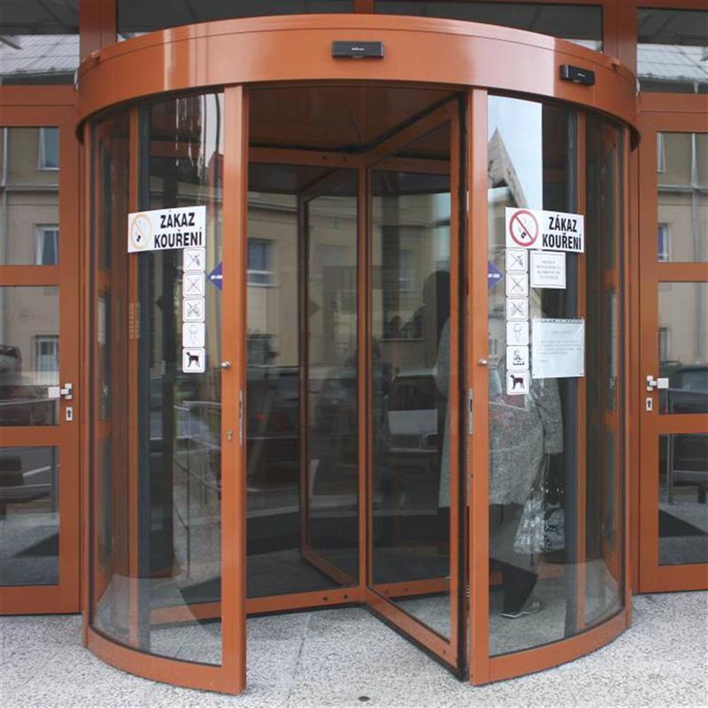reference na čtyřkřídlé turniketové dveře