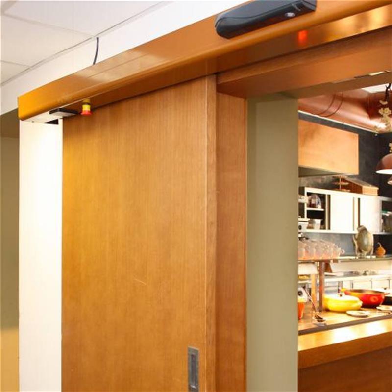 dřevěné jednokřídlé dveře do restaurace 2