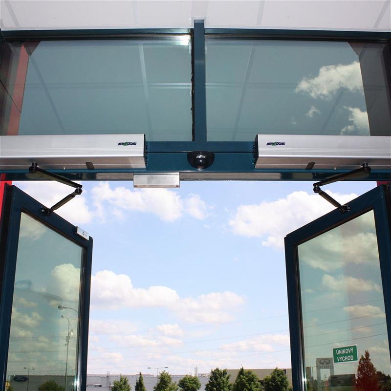 dvoukřídlé automatické otočné dveře