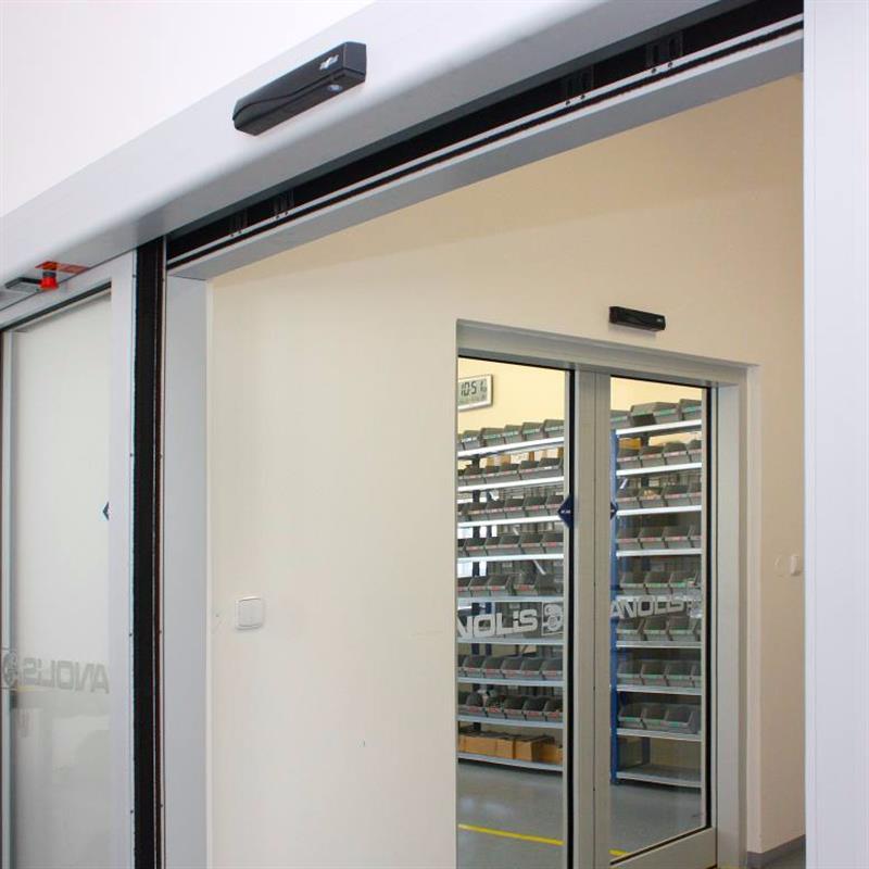 Dvoukřídlé protipožární automatické dveře