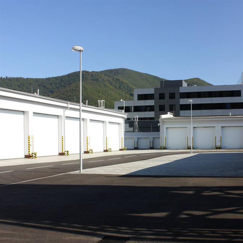 garážový komplex s vraty Spedos