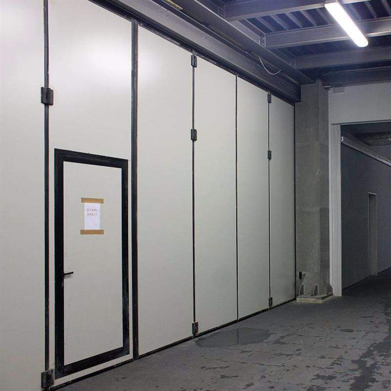 integrované průchozí dveře 2