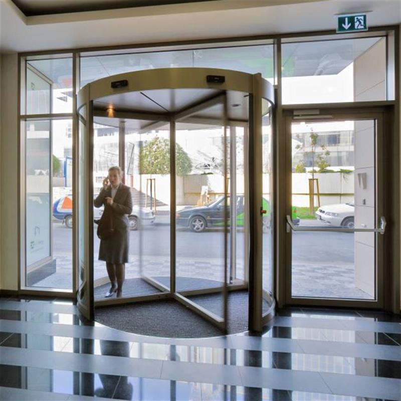 karuselové dveře pro Pasáž Praha-Pankrác 4