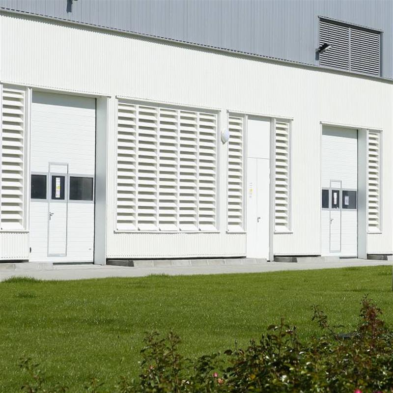 Kvalitní sekční garážová vrata pro průmysl