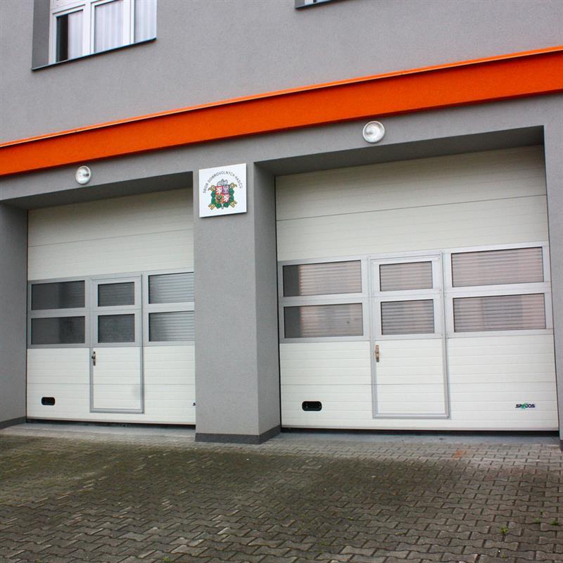 Průmyslová sekční vrata reference pro obecní úřad Dolní Bečva