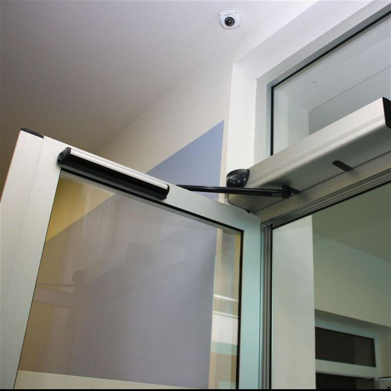 otočné automatické dvoukřídlé dveře reference 4