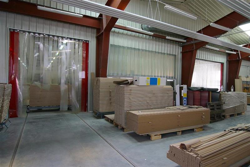 priemyselné pruhové závesy z PVC v dielni 2