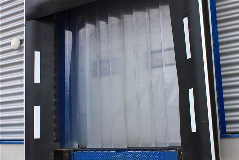 priemyselné pruhové závesy z PVC pre nakladanie