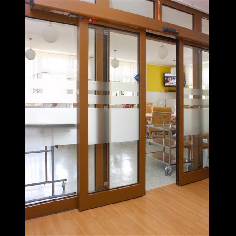 posuvné automatické dveře pro domov důchodců