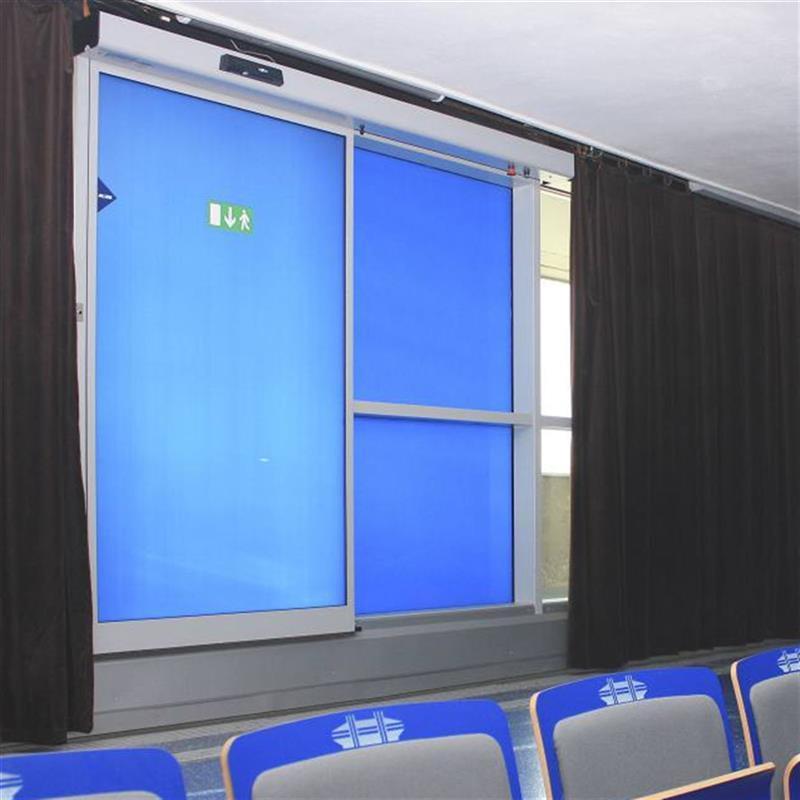 posuvné dveře Spedos s modrou fólií 4