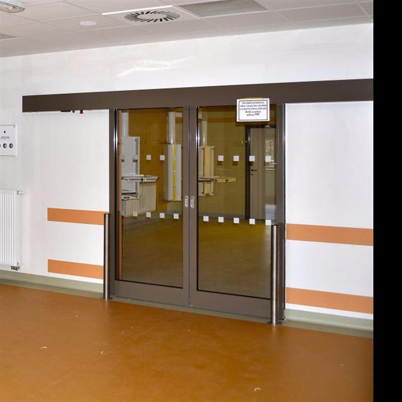 Otočné automatické dveře v požárním provedení