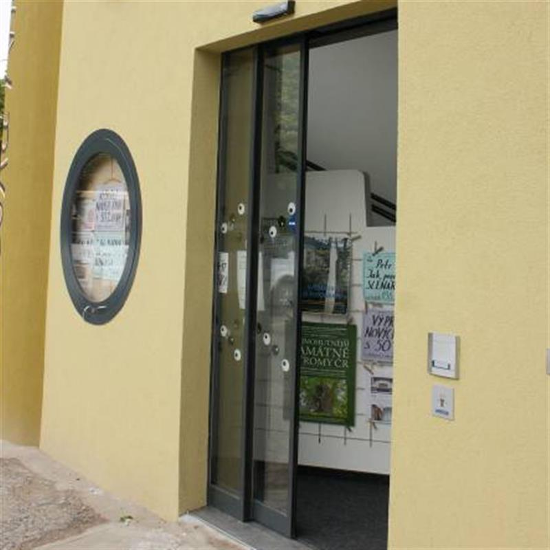 prosklené automatické dveře Spedos