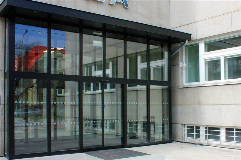 Presklené hliníkové vchodové dvere