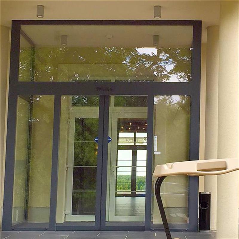 prosklené posuvné dveře Spedos