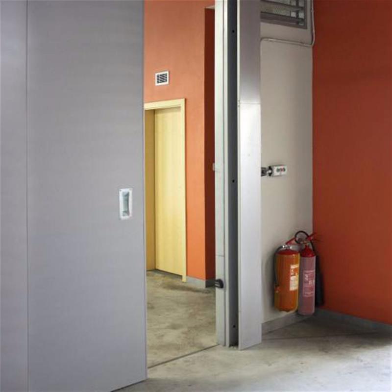 Protipožární posuvné dveře s motorem