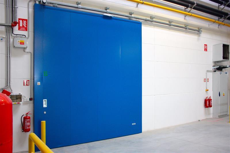 protipožiarná posuvná brána modrá