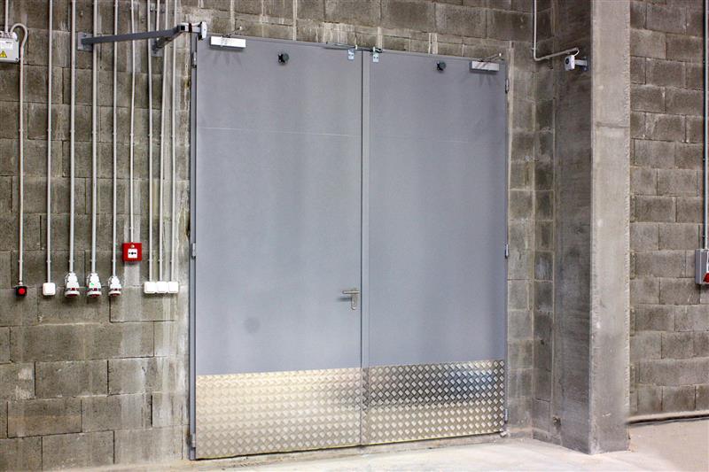 protipožiarna brána otváravá oceľová