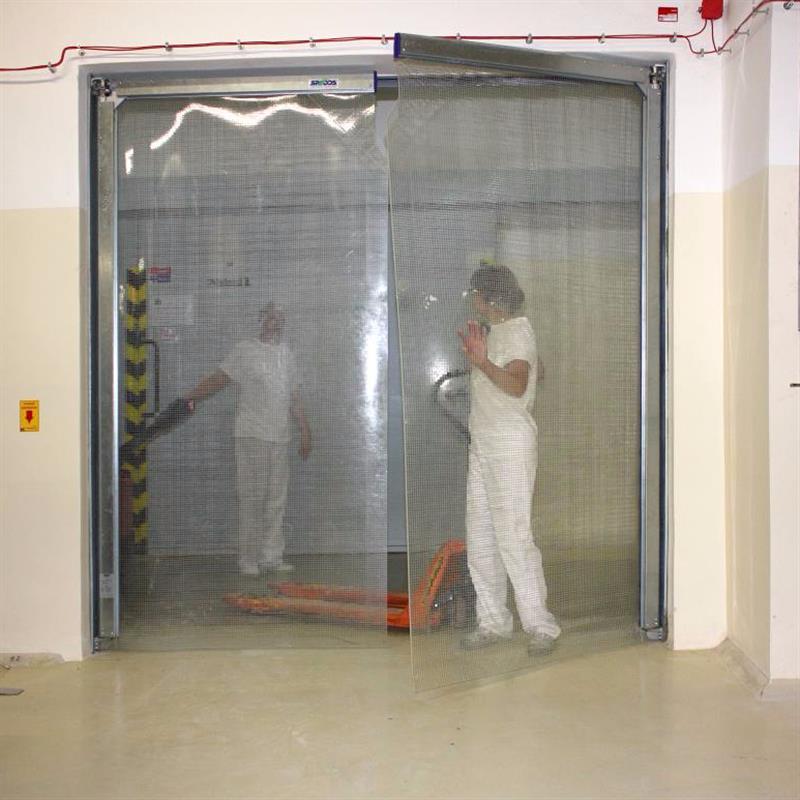 Kyvná vrata proti hluku a prachu