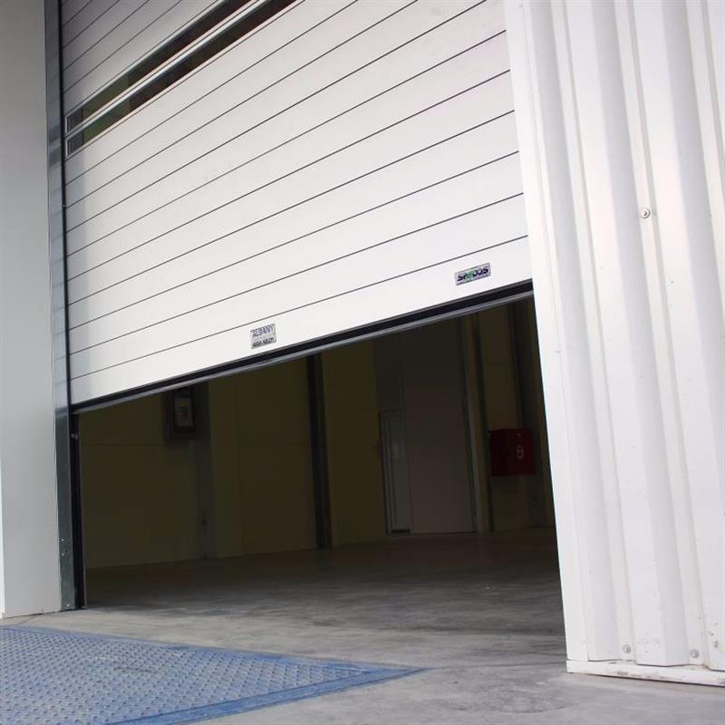 Průmyslová protipožární sekční vrata průmyslový areál