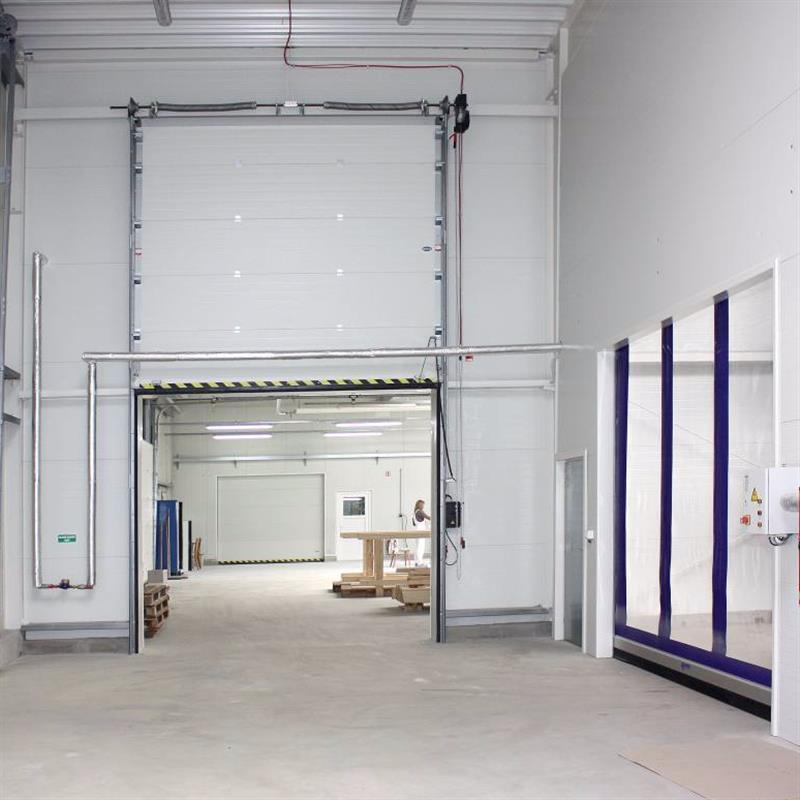 Průmyslová sekční vrata