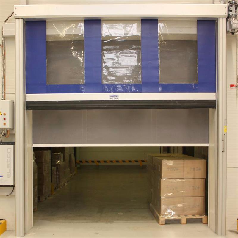 rychloběžná fóliová vrata reference pro průmyslový areál Robertshaw