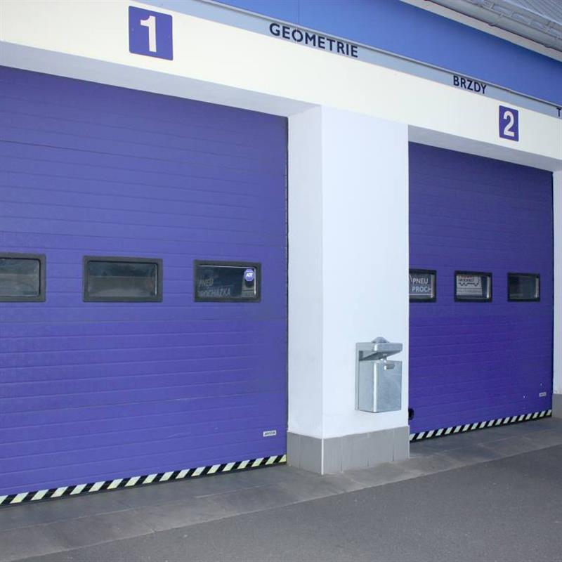 reference na sekční vrata pro pneuservis 2
