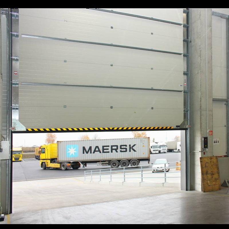reference na sklady pro mezinárodní kamionovou dopravu 3
