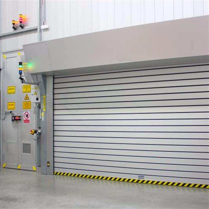 Speciální rychloběžná vrata s ochranou proti laserům