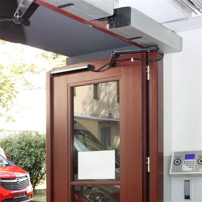 Těžké otočné automatické dveře