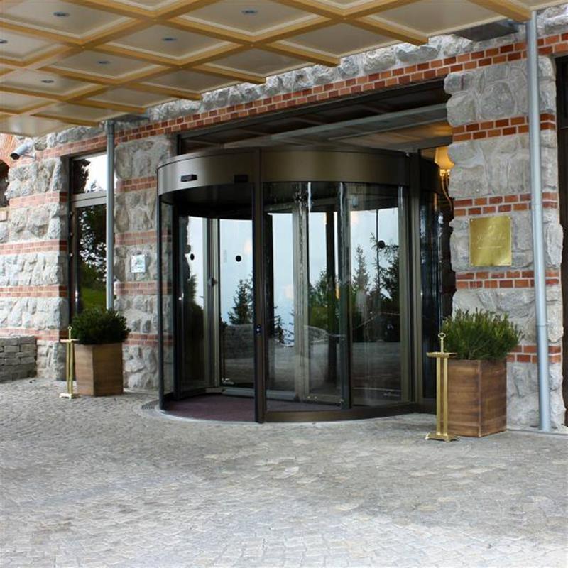 tourniket pro Grand hotel Kempinski 3