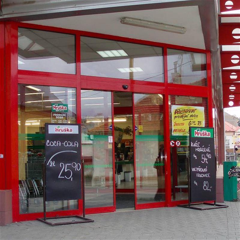 vstup pro supermarket Hruška